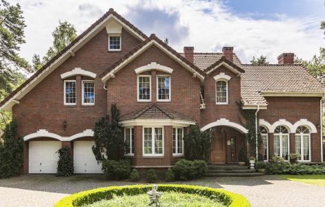 High-end home sales decline nationwide