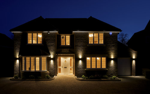 house-at-night-home-sales